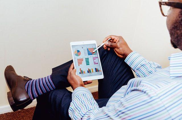Freelance Graduate gaining a breadth of knowledge - Unsplash.com